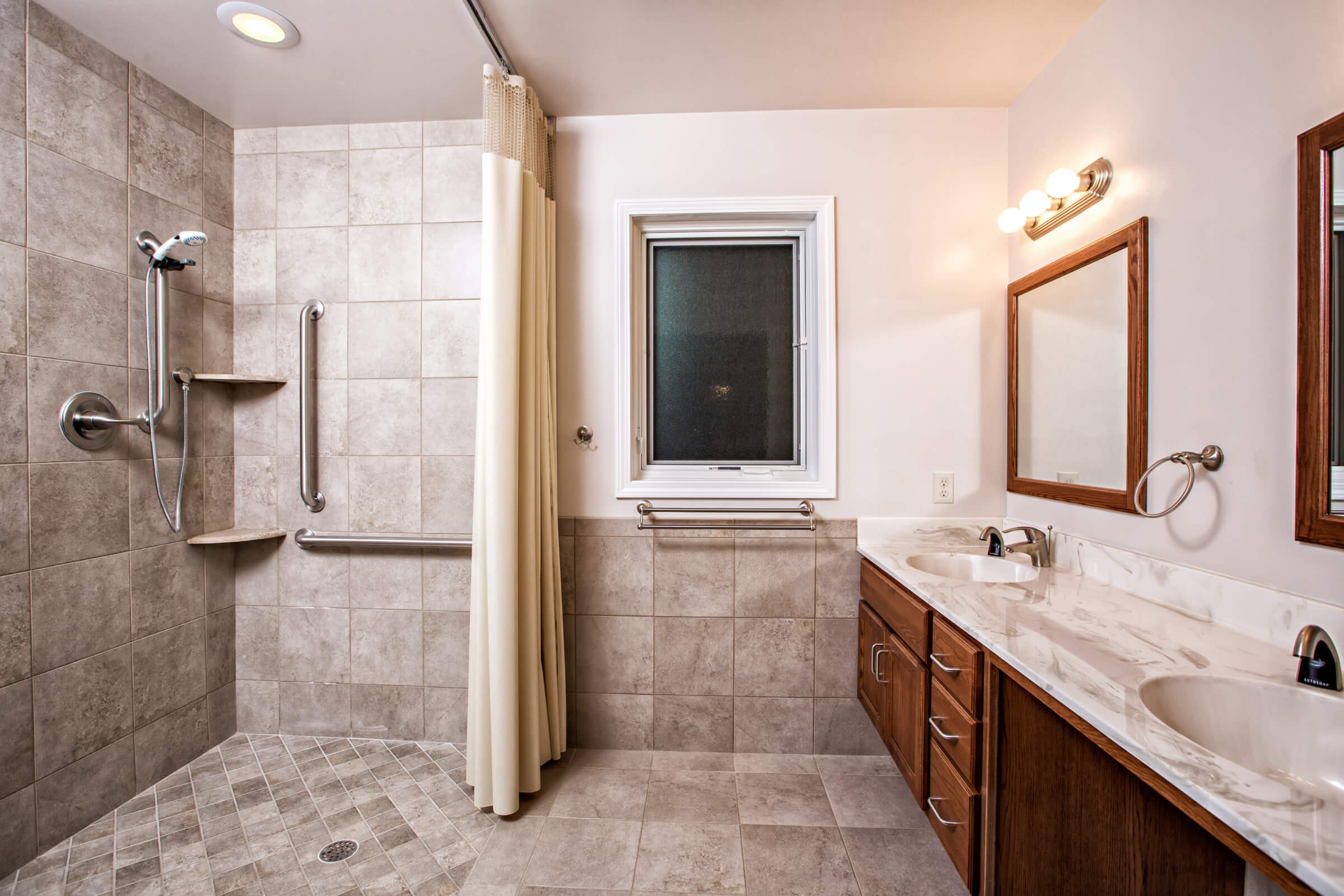 Custom Home Builder for ADA Compliant Bathroom.